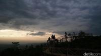 Panenjoan merupakan salah satu destinasi wisata alam unggulan Purwakarta selain Gunung Parang, Situ Wanayasa, dan Waduk Jatiluhur. Sekarang pengelolannya masih oleh masyarakat desa, tapi ke depannya akan diurus juga oleh Pemda Purwakarta (Tri Ispranoto/detikTravel)