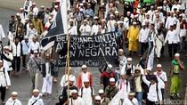 Massa FPI Bergerak ke Polda, Jalan Sudirman Macet