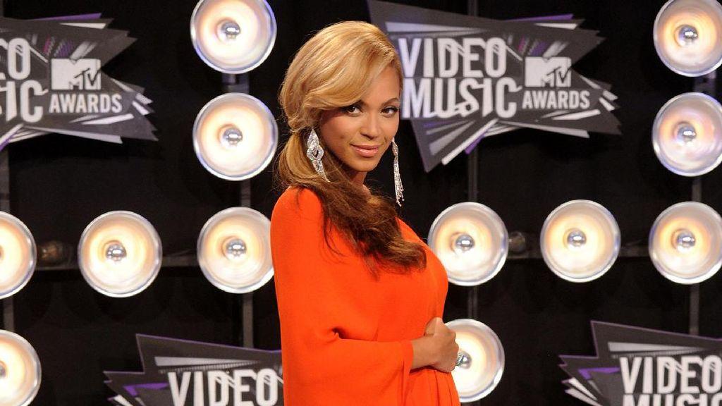 5 Gaya Stylish Beyonce Saat Berbadan Dua