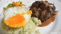 Eighty Nine: Puas Ngopi Sambil Mencicip Hamburg Steak di Kafe Cantik