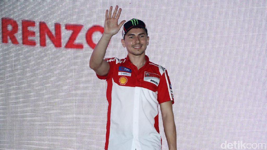 Berbaju Ducati, Jorge Lorenzo Sambangi Jakarta