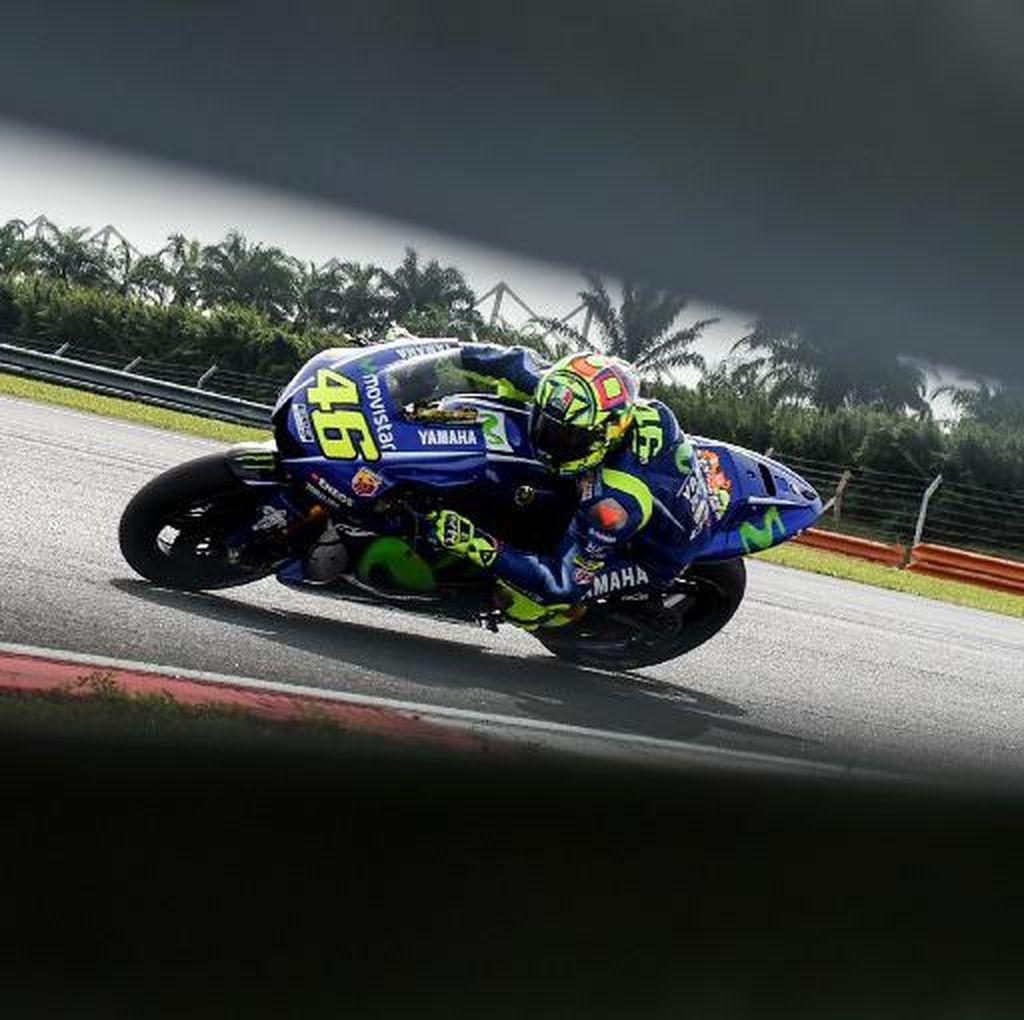 Yamaha: Rossi Memang Tertinggal dari Vinales di Tes Sepang, tapi ...