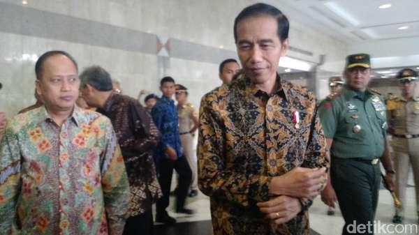 Jokowi Perintahkan Mendagri Konsultasi ke MA Soal Status Ahok
