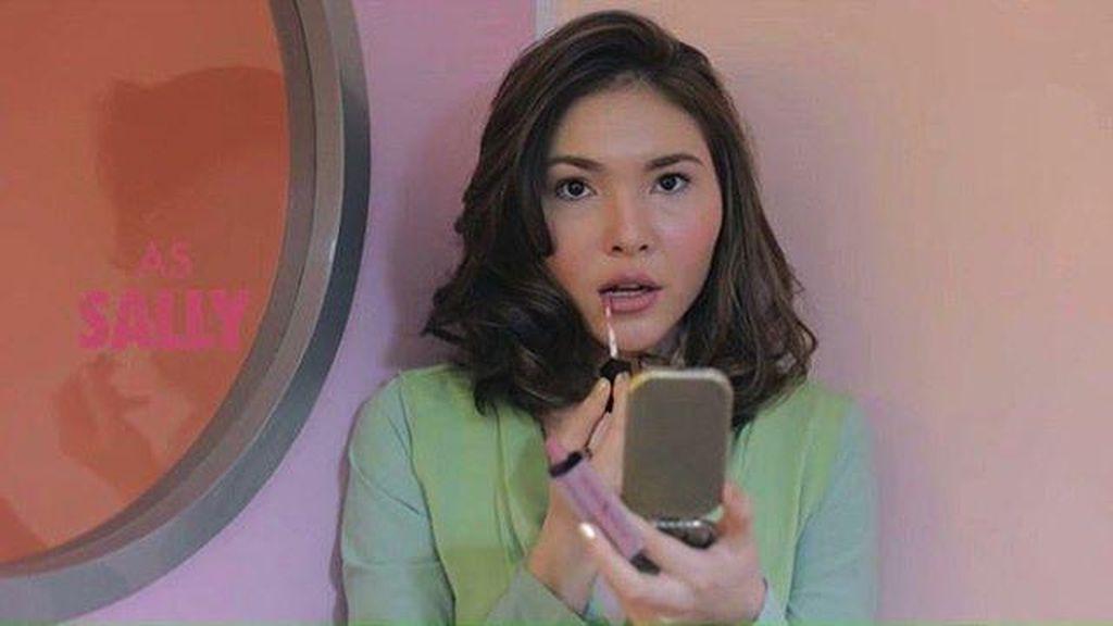 Tips Bangun Startup dari Pendiri Brand Lipstik Rollover Reaction