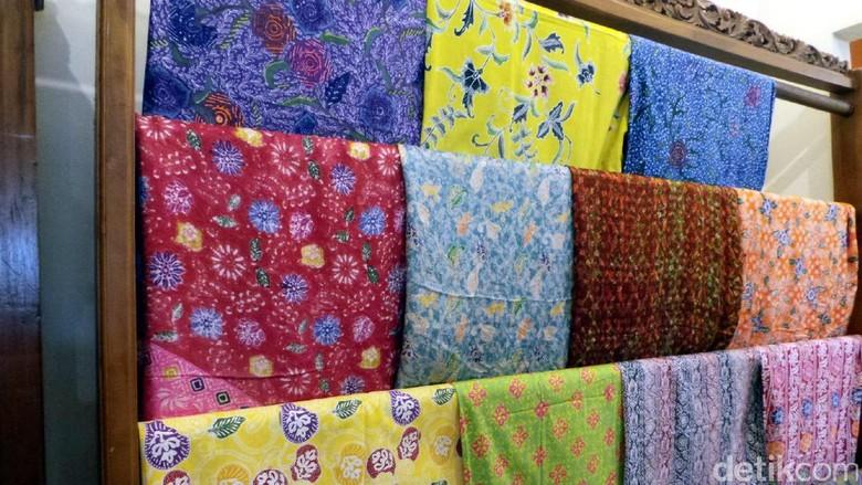 Foto: Kain batik dengan motif khas Riau (Wahyu/detikTravel)