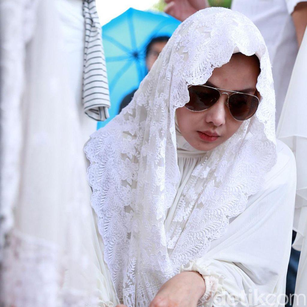 Menjalani Ramadan Perdana Terry Putri Tanpa Sang Ibunda