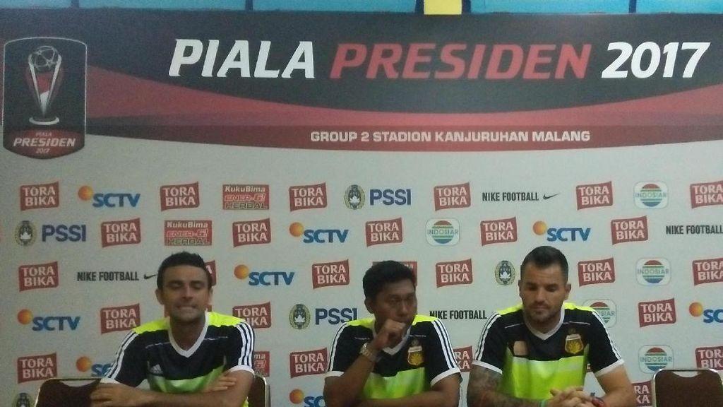 Keluhkan Wasit, Pelatih Bhayangkara FC Juga Puji Atmosfer Stadion Kanjuruhan