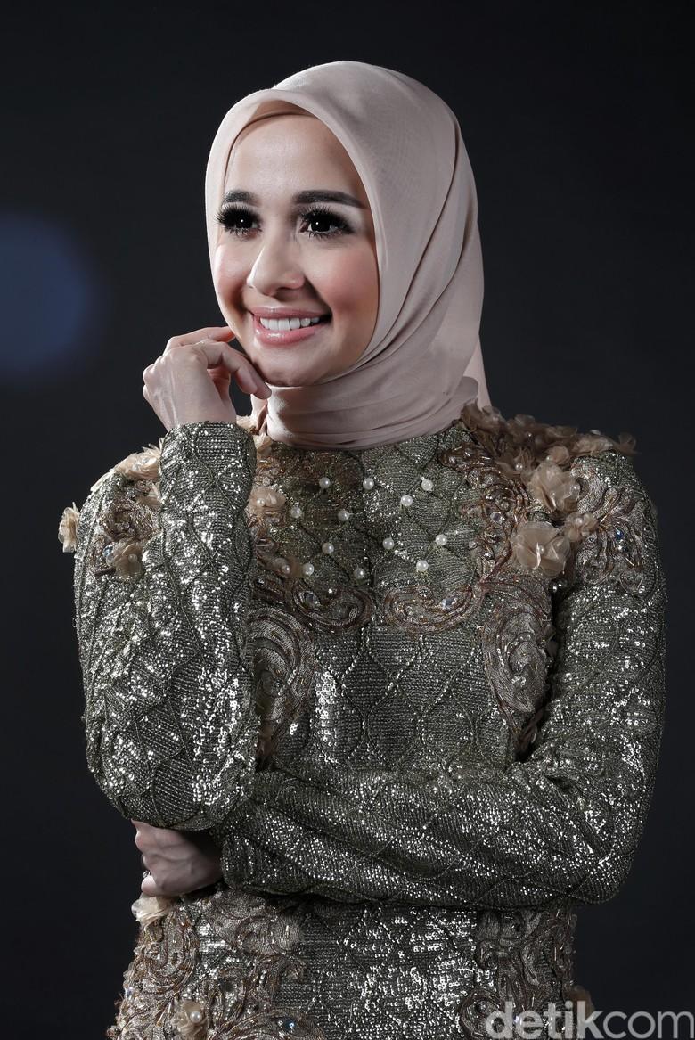 Laudya Cynthia Bella Tak Pernah Unggah Foto Lamaran di Instagram