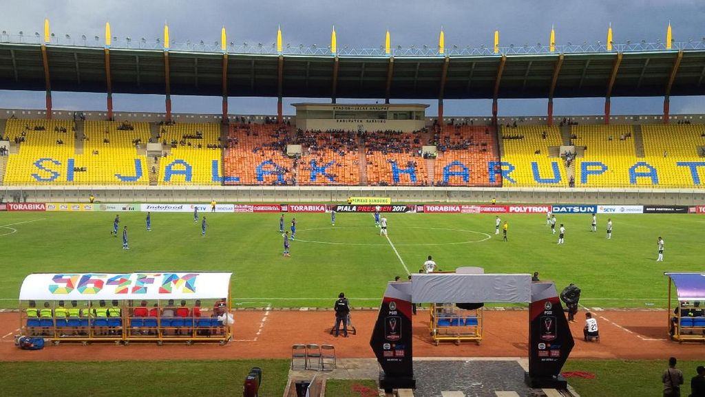 Gol Penalti Marlon Da Silva Menangkan Persiba atas Persela
