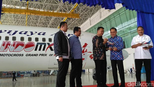 Sebelum Aksi di Lintasan, MXGP 'Melayang' Via Sriwijaya Air
