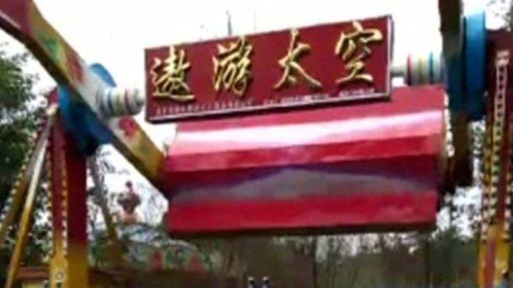 Wisatawan Tewas Terlempar dari Wahana Permainan di Taman Rekreasi China