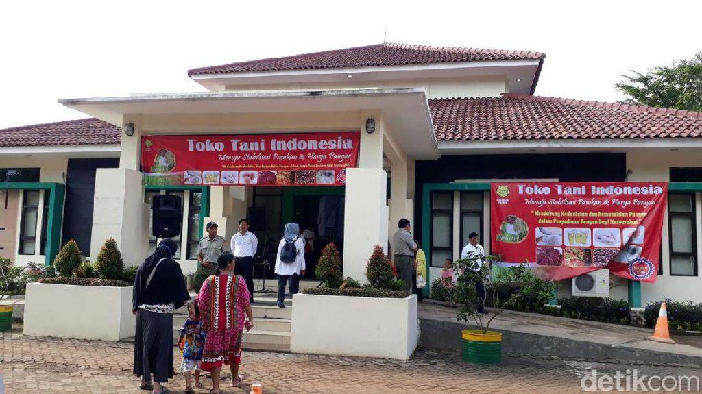 Warga Antre di Toko Tani, Beli Cabai Rawit Rp 60.000/Kg
