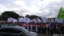 Ada Demo Buruh di Depan Istana, Lalin Harmoni Arah HI Macet