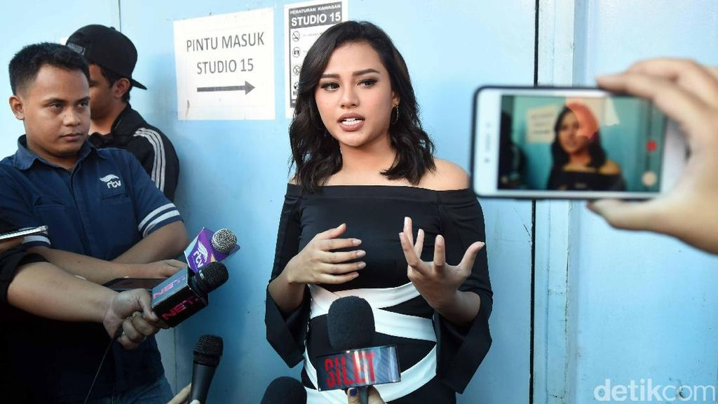 Penampilan Aurel Hermansyah, Suka?