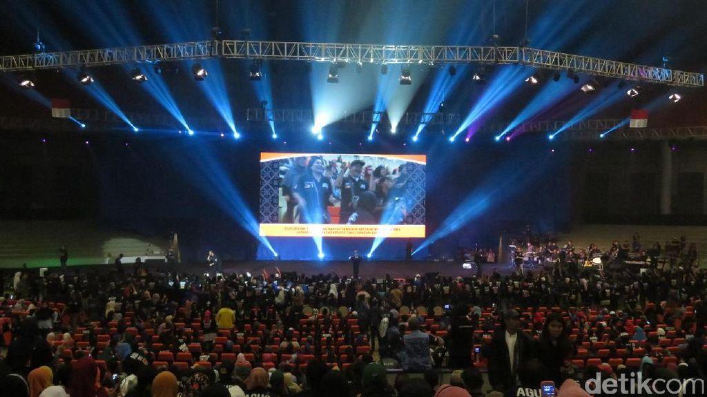 Agus Yudhoyono dan SBY Silaturahmi dengan Relawan di Sentul