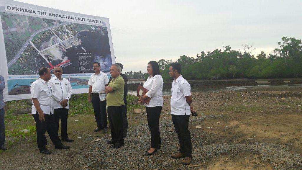 Menteri PUPR Janjikan Dermaga Baru di Ambon untuk TNI AL