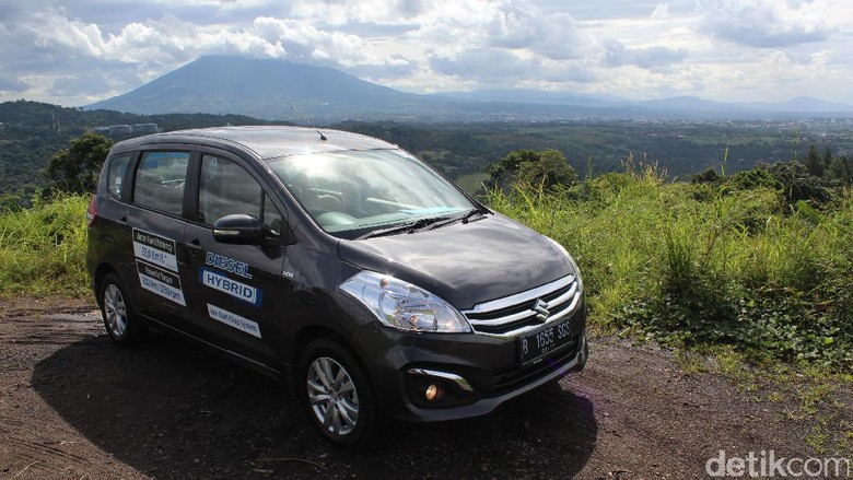 Suzuki Targetkan Jual 700 Mobil di GIIAS, Ertiga Jadi Jagoannya