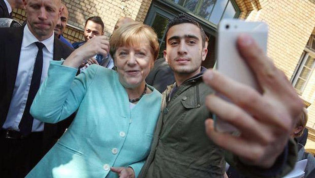 Selfie dengan Angela Merkel, Facebook Kena Gugat
