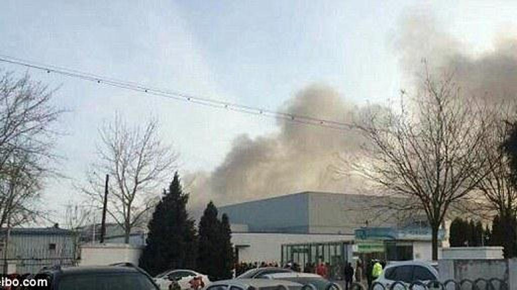 Pabrik Baterai Galaxy Note 7 Terbakar