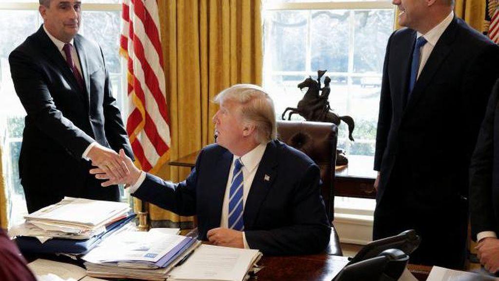 CEO Intel Sowan ke Donald Trump, Mau Apa?