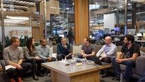 Balas Zuckerberg di Facebook, Bill Gates Banjir Komentar
