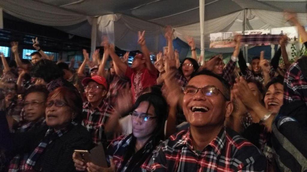 Usai Ahok Closing Statement, Pendukung di Rumah Lembang Bersorak