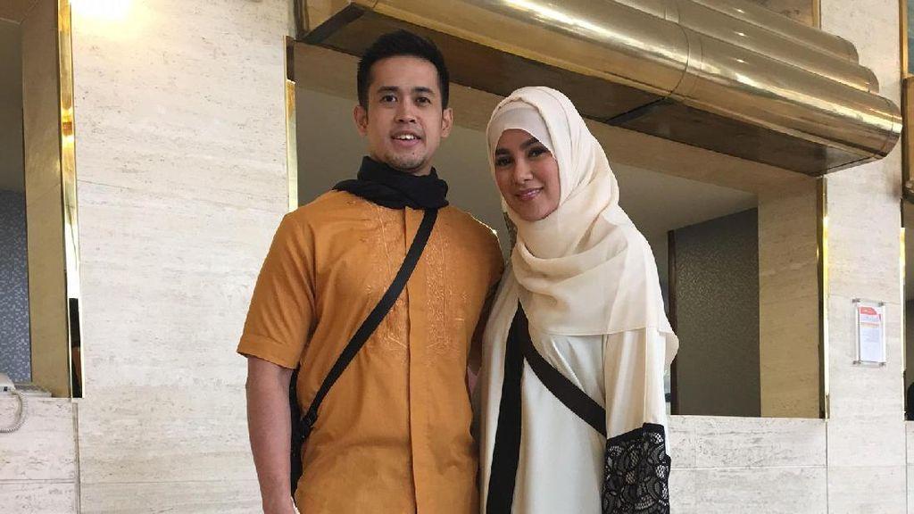 Setianya Olla Ramlan di Sisi Suami Saat Pernikahan Diterpa Isu Selingkuh