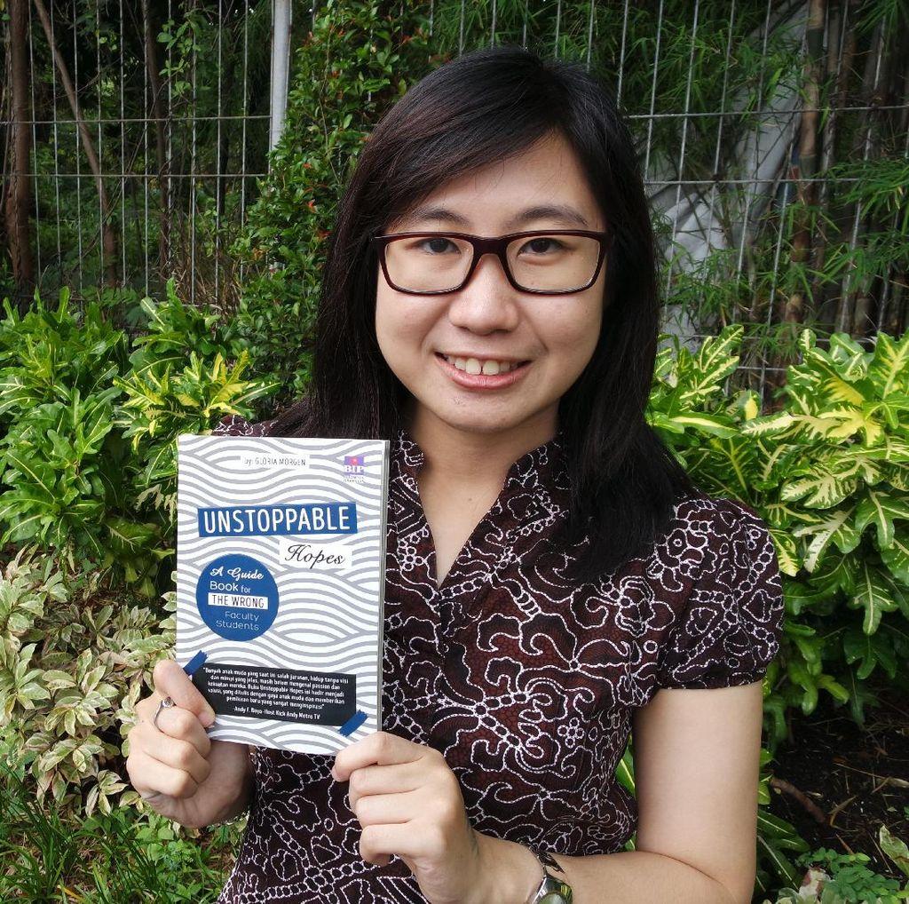 Gara-gara Salah Jurusan, Gloria Morgen Rilis Buku Unstoppable Hopes