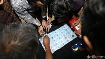 Begini Cara Bea-Cukai Mengungkap 36 KTP Palsu dari Kamboja