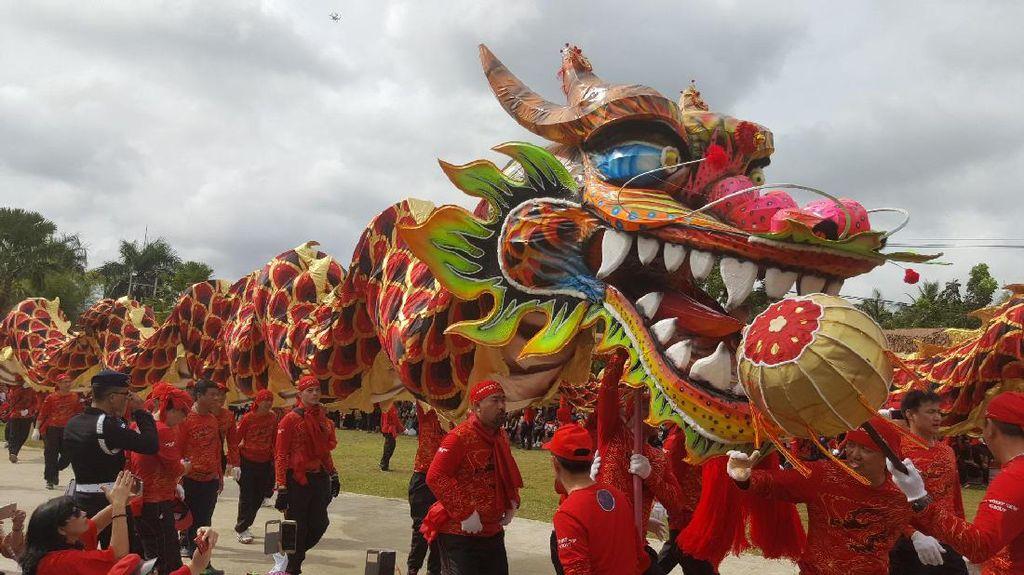 Cap Go Meh Singkawang Dimulai, Ada 565 Tatung & Liong Terpanjang di Indonesia