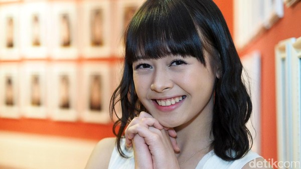 Dikenal Ceria, Feni JKT48 Bisa Bete Nggak Ya?