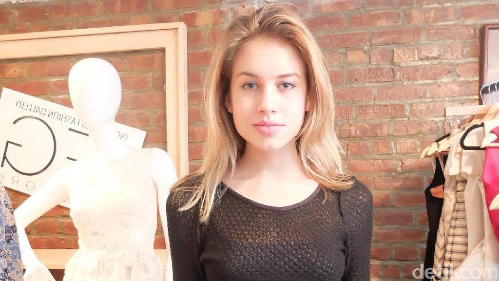 Berhijab Pertamakali untuk Show Anniesa Hasibuan, Ini Kata Model New York