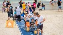 Kemudahan Nikmati Pantai Australia Bagi Difabel