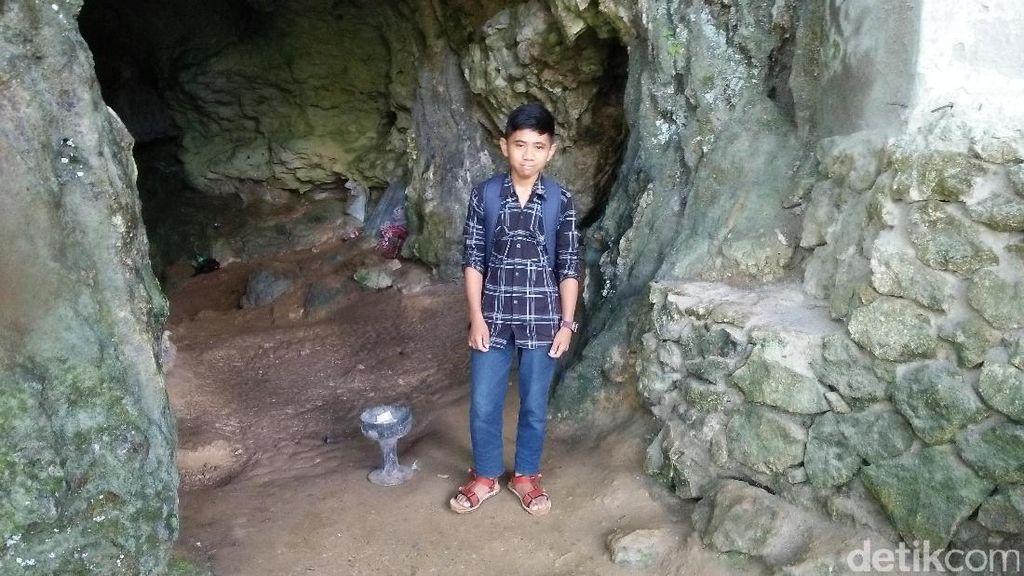 Kisah Pemandu Makam Tebing di Toraja yang Bikin Penasaran