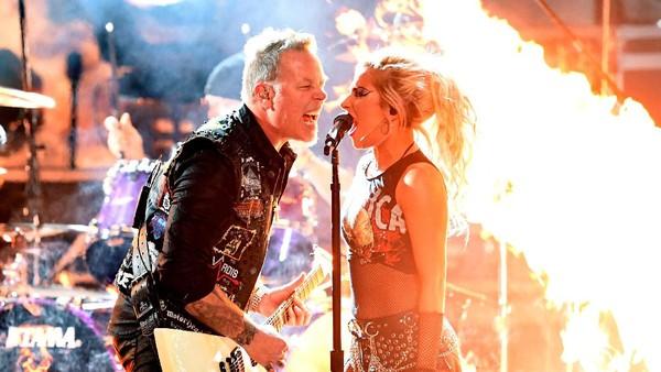 Lady Gaga dan Metallica Membakar Panggung Grammy