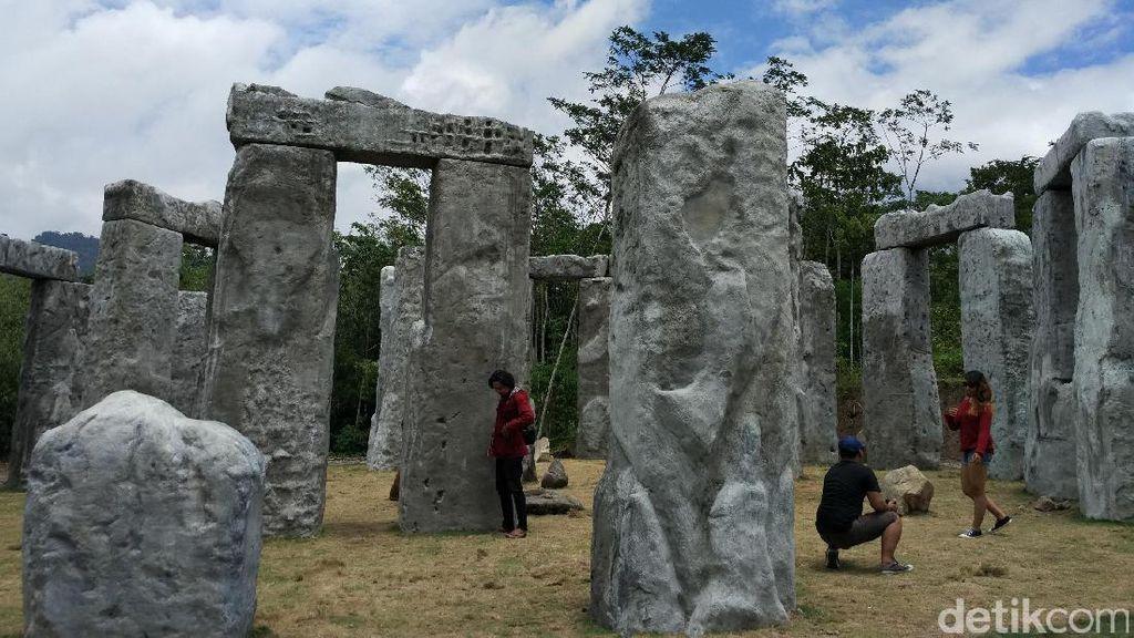 Bukan di Inggris, Stonehenge Ini Ada di Sleman