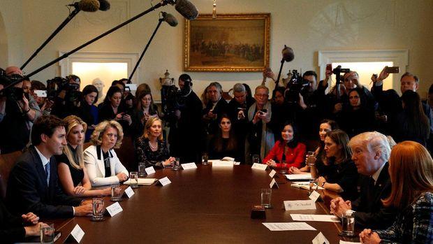 Ivanka hadir dalam pertemuan PM Kanada Justin Trudeau dan Presiden AS Donald Trump, ayahnya sendiri, dengan pengusaha wanita AS