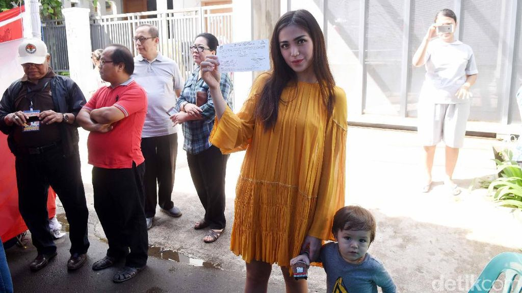 Jessica Iskandar Ajari El Belajar Politik Sejak Kecil