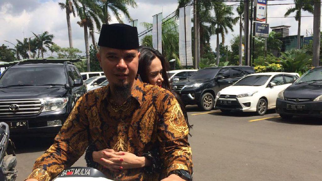 Ahmad Dhani dan Janji Hadirkan Band RHCP untuk Warga Bekasi