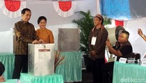 Presiden Jokowi Nyoblos di TPS 4 Gambir