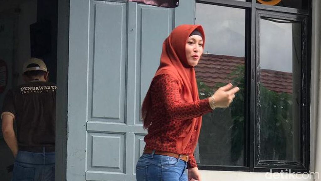 Gunakan e-KTP, Angelina Sondakh Mencoblos di Rutan Pondok Bambu