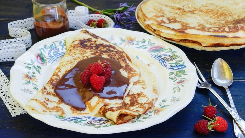 Yuk, Bikin Pancake Pisang Saus Cokelat Buat Camilan!