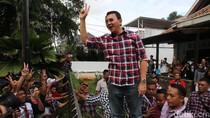 Ahok Disambut Meriah di Rumah Lembang