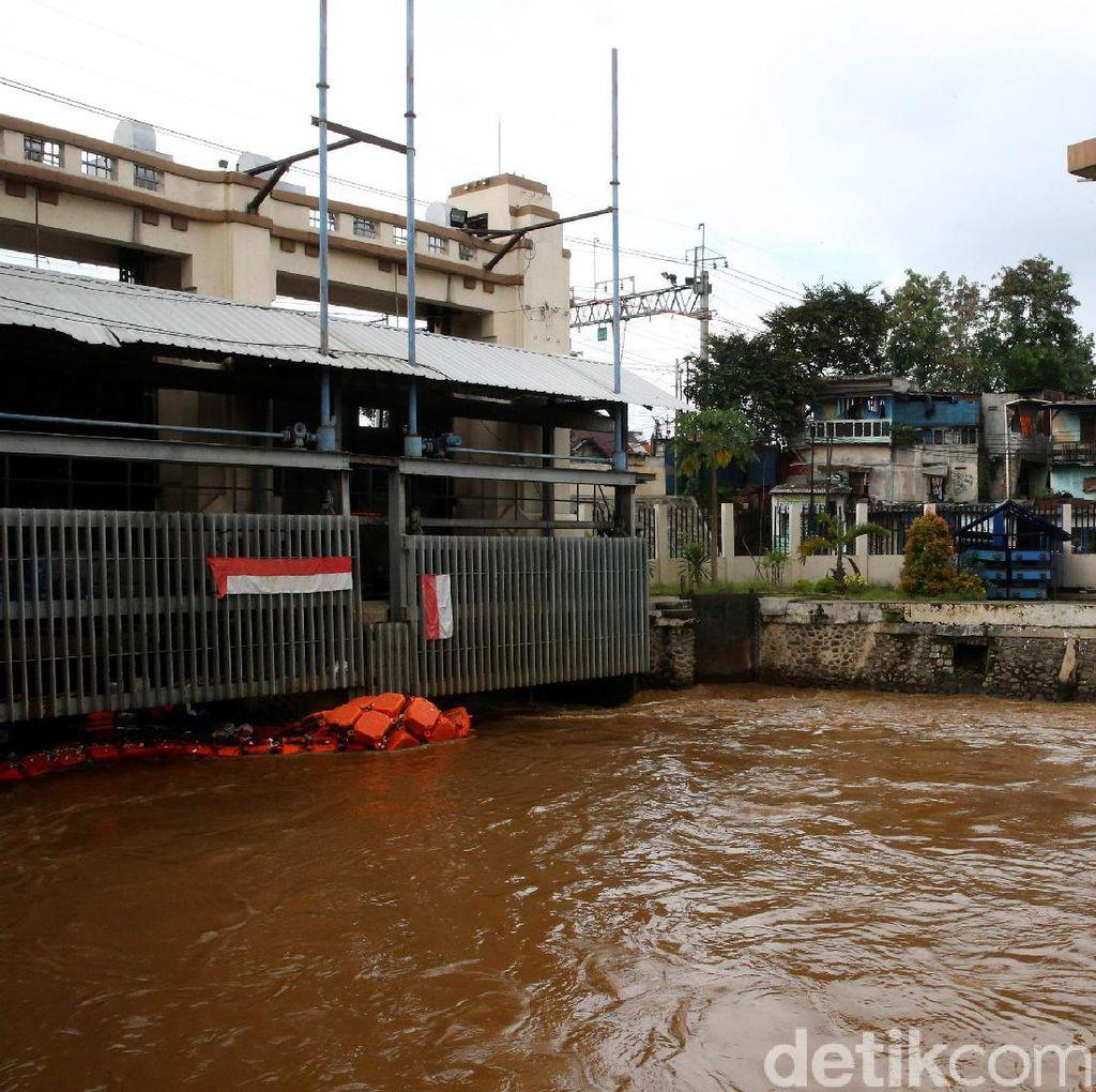 BPBD DKI: Pintu Air Manggarai dan Karet Siaga 3