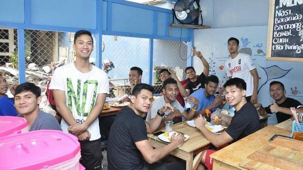 Serba Ikan di Kedai Milik Januar Kuntara