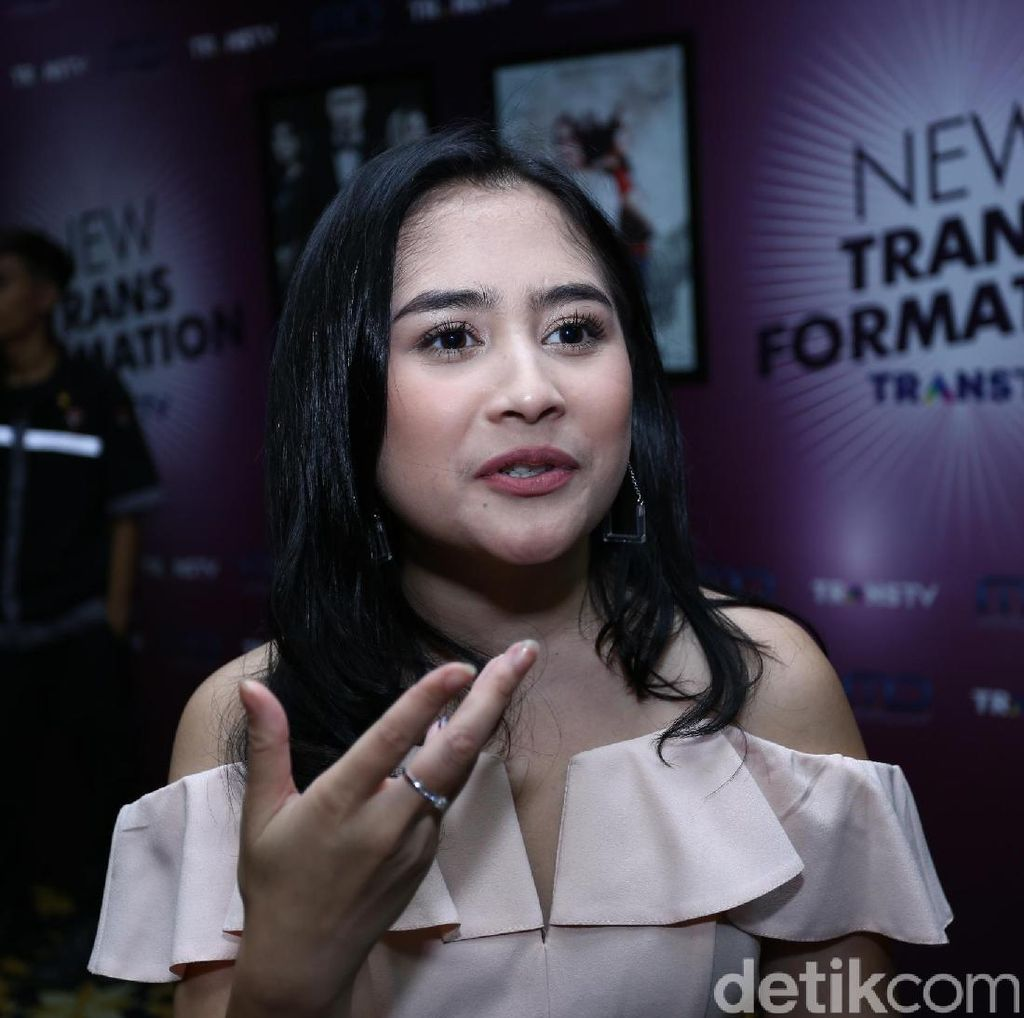 Prilly Latuconsina Pamer Lagi Teaser Video Sinetrans