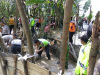 Tanggul Jebol yang Bikin 5 Desa di Brebes Terendam Ditambal Sementara