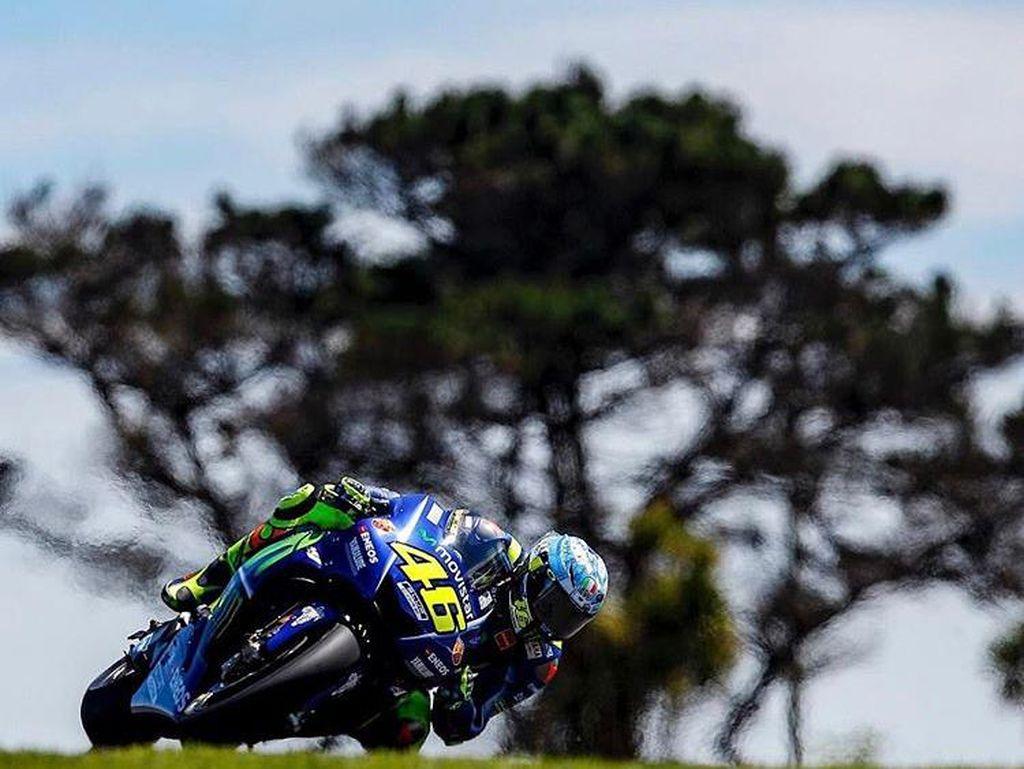 Tercecer dari Vinales di Tes Australia, Rossi Disebut Hanya Kelelahan