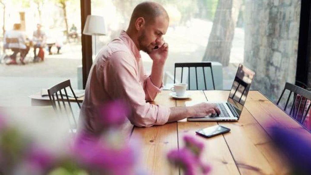 Nyolok Ponsel dan Pakai Wifi di Kafe Ini Kini Harus Bayar