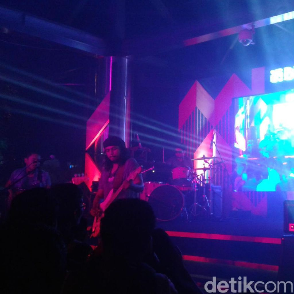Gugun Blues Shelter Main di Java Jazz on The Move